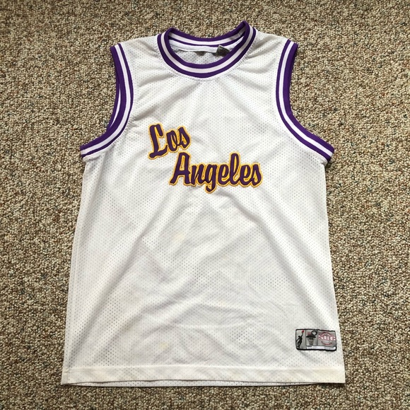 10da7f60288 Los Angeles Lakers basketball jersey size youth L.  M 5c78c7d25c4452d366346433